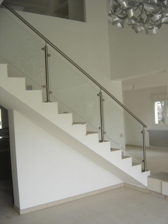 garde corps et rampes d escalier le volet menuiserie en aluminium. Black Bedroom Furniture Sets. Home Design Ideas